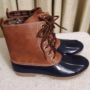 Yoki Duck Boots Sz 6.5